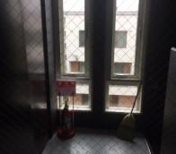 東区マンション共用部の日常清掃の様子