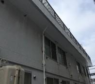 厚別区マンションのバルコニー軒天塗装工事の様子