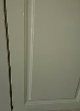 豊平区マンションのキッチン扉の補修・塗装工事